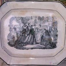 Antigüedades: EXCEPCIONAL Y ANTIGUA BANDEJA DE CARTAGENA OVALADA, ESCENA BURGALES , SELLO INCISO Y TINTA.. Lote 41358970