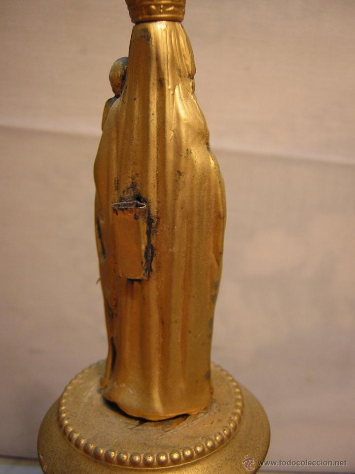Antigüedades: FIGURA METALICA DE LA VIRGEN DEL PILAR - PEANA DE MÁRMOL - 30CM - Foto 4 - 188451702