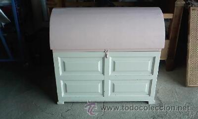 precioso bal de madera en color rosa y blancoideal para habitacion de nia