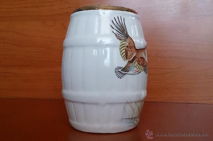 Antigüedades: Antigua taza en ceramica PICKMAN SEVILLA CARTUJA, con motivos de aves y filo de oro. - Foto 4 - 41443927