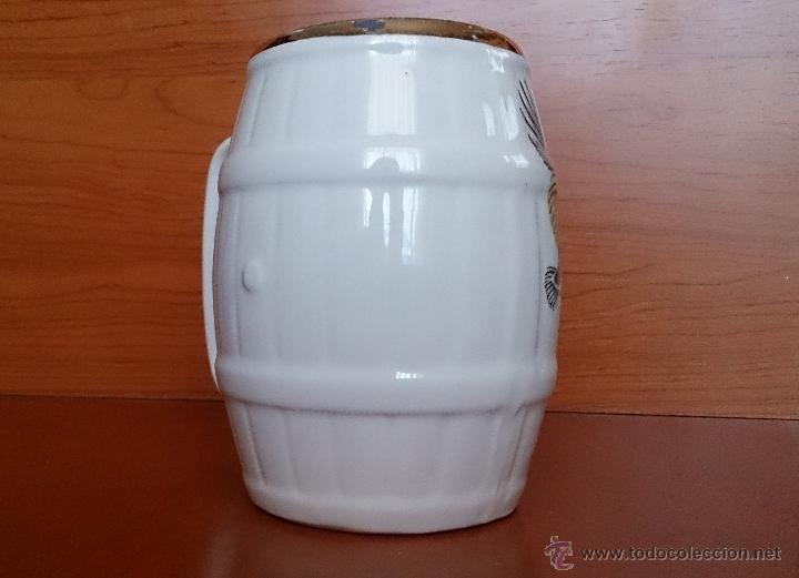 Antigüedades: Antigua taza en ceramica PICKMAN SEVILLA CARTUJA, con motivos de aves y filo de oro. - Foto 5 - 41443927