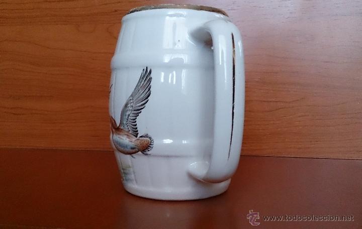 Antigüedades: Antigua taza en ceramica PICKMAN SEVILLA CARTUJA, con motivos de aves y filo de oro. - Foto 8 - 41443927