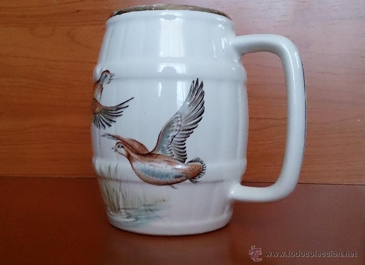 Antigüedades: Antigua taza en ceramica PICKMAN SEVILLA CARTUJA, con motivos de aves y filo de oro. - Foto 9 - 41443927
