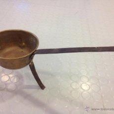 Antigüedades: CALDERITO DE COBRE CON MANGO Y PATAS DE HIERRO. S XIX. Lote 41445698