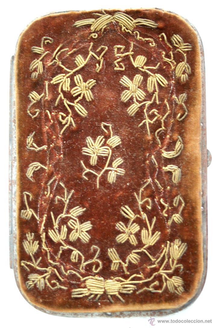 Antigüedades: CARNET DE BAILE - TARJETERO - TERCIOPELO MARRÓN BORDADO EN ORO - S. XIX - Foto 2 - 41505400