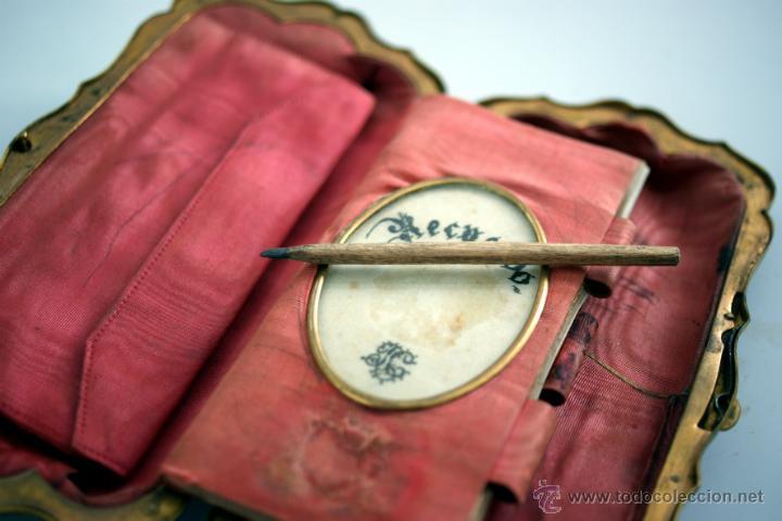 Antigüedades: CARNET DE BAILE - TARJETERO - SEDA Y PIEL BORDADAS - S. XIX - Foto 5 - 41505646