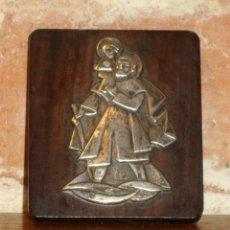 Antigüedades: ANTIGUA PLACA DE SAN ANTONIO ADHESIVO DE COCHE,POSIBLE PLATA.. Lote 41517341