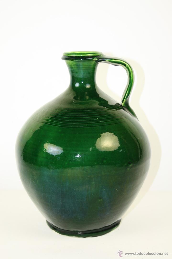 CÁNTARO EN CERÁMICA BELLAMENTE ESMALTADA EN VERDE, LA BISBAL, Pº S. XX (Antigüedades - Porcelanas y Cerámicas - La Bisbal)