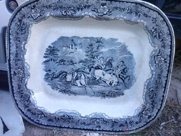 ANTIGUA FUENTE O ENSALADERA DE CARTAGENA,ESCENA DEL TORO. SELLO INCISO Y TINTA. (Antigüedades - Porcelanas y Cerámicas - Cartagena)