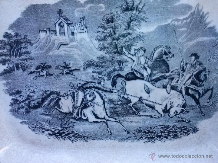 Antigüedades: antigua fuente o ensaladera de cartagena,escena del toro. sello inciso y tinta. - Foto 2 - 41589756