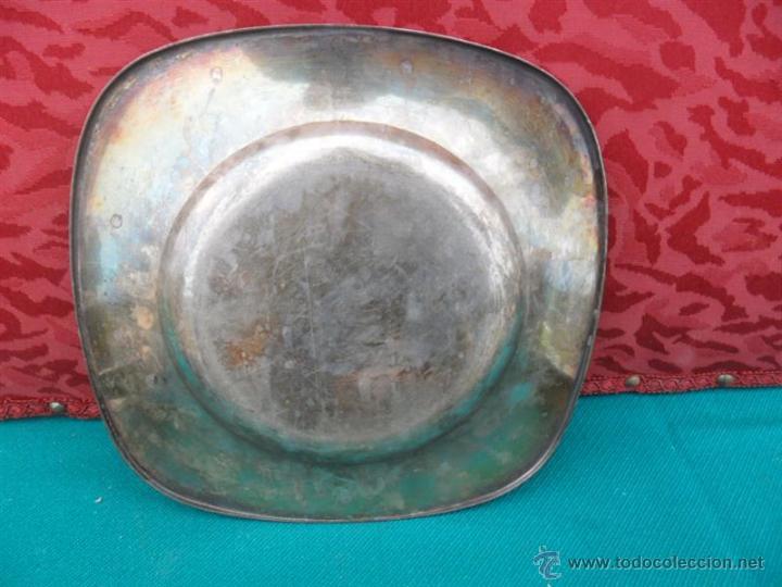Antigüedades: plato de alpaca - Foto 2 - 41638652