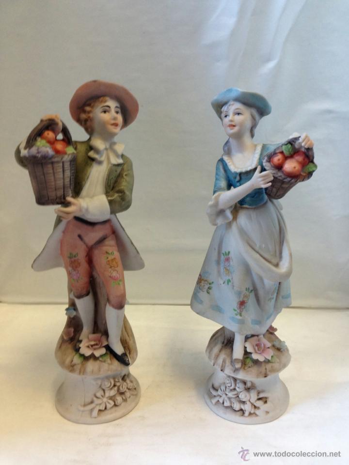 PAREJA FIGURAS BISCUIT COLOREADA (Antigüedades - Porcelanas y Cerámicas - Otras)