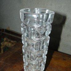 Antigüedades: JARRÓN DE CRISTAL TALLADO . Lote 41670255