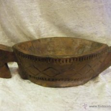 Antigüedades: RECIPIENTE TALLADO EN MADERA PROVENIENTE DE LA INDIA. Lote 41694355