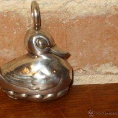 Antigüedades: ANTIGUO SONAJERO DE PLATA PATO. CASCABEL. Lote 41691961
