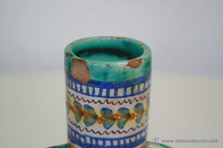 Antigüedades: ANTIGUO JARRÓN DE CUATRO ASAS, TRIANA, SEVILLA. CASA GONZÁLEZ. SELLO EN BASE. 19 CMS. DE ALTURA. - Foto 4 - 41717328