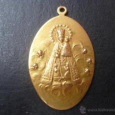 Antigüedades: MEDALLA DE COBRE Y CON BAÑO DORADO VIRGEN DE LOS DESEMPARADOS S.XIX . Lote 41754573