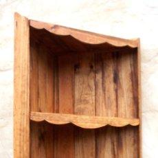 Antigüedades: MUEBLE DE MADERA RUSTICO RINCONERA CON 3 BALDAS, MUE365. Lote 57840895