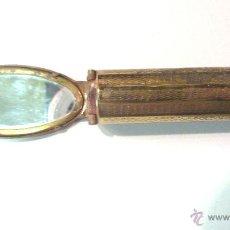 Antiquités: ANTIGUO PINTALABIOS DE BOLSO CON ESPEJO. METÁLICO Y ESMALTE FIGURAS PÁJAROS. PLEGABLE. Lote 41764349