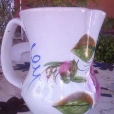 Antigüedades: ANTIGUA JARRA PINTADA A MANO Y FIRMADA LARIO.. Lote 41775645