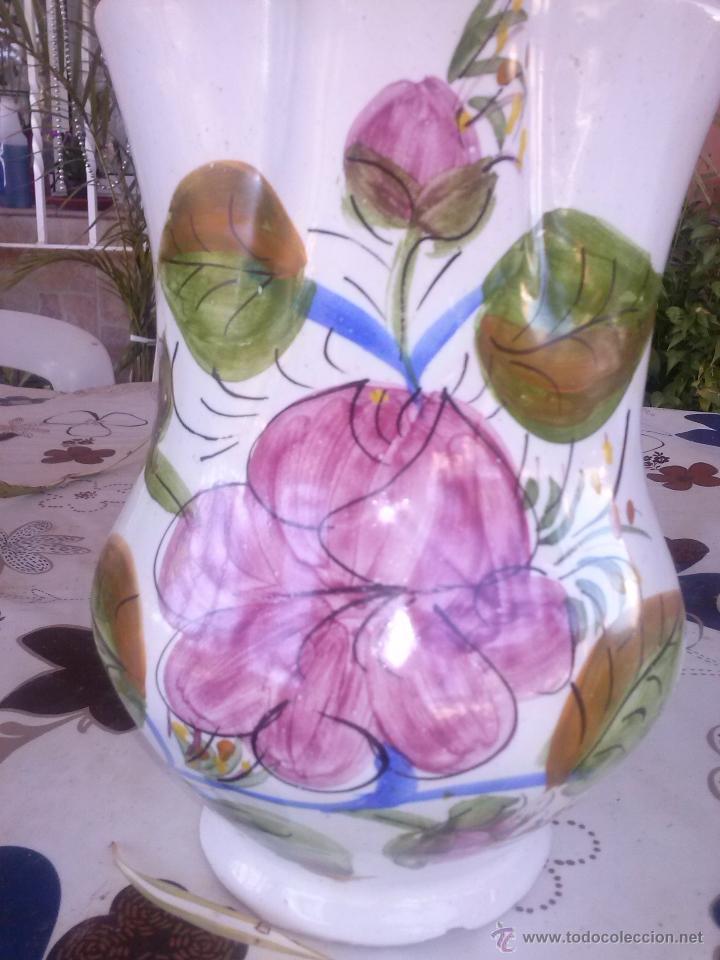 Antigüedades: antigua jarra pintada a mano y firmada lario. - Foto 3 - 41775645