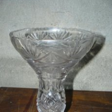 Antigüedades: JARRÓN DE CRISTAL TALLADO . Lote 41776330