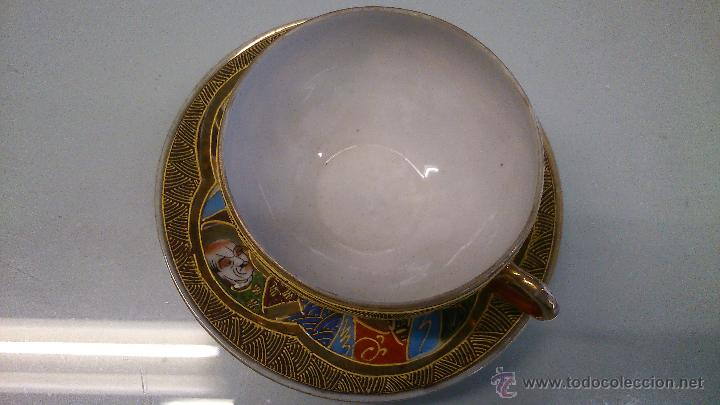 JUEGO DE PLATO CON TASA DE PORCELANA MUY FINA ANTIGUA. PINTADA A MANO CON PAN DE ORO. (Antigüedades - Porcelana y Cerámica - Japón)