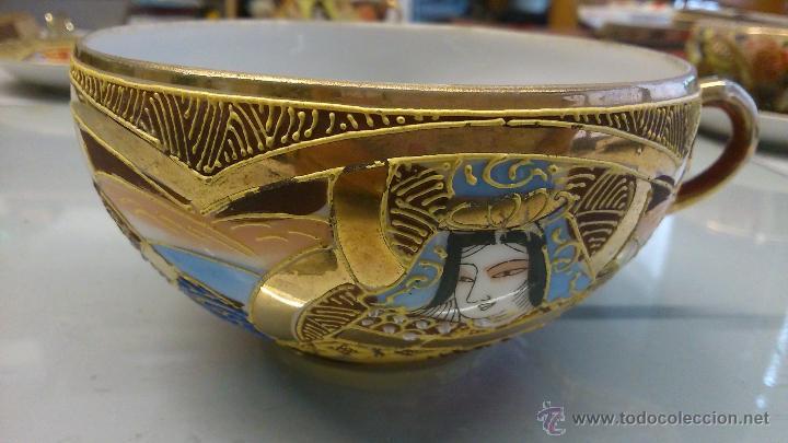 Antigüedades: Juego de Plato con tasa de porcelana muy fina antigua. Pintada a mano con pan de oro. - Foto 2 - 41853469
