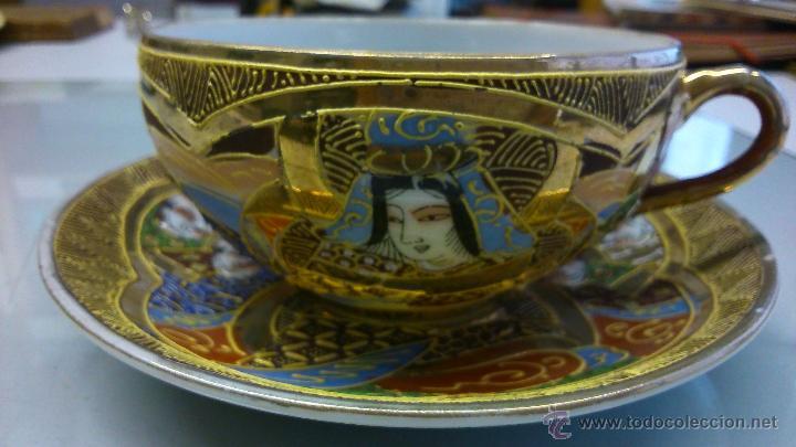 Antigüedades: Juego de Plato con tasa de porcelana muy fina antigua. Pintada a mano con pan de oro. - Foto 5 - 41853469