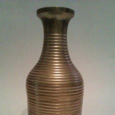 Antigüedades: ANTIGUO JARRON DE BRONCE MOD. EGIPTO - HECHO EN LA INDIA. Lote 41871116