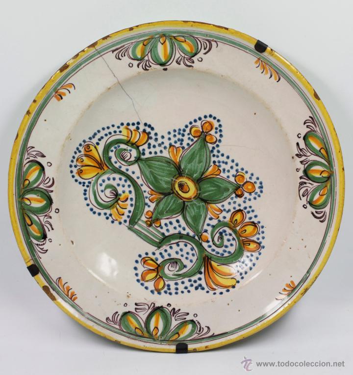 GRAN PLATO DE CERÁMICA ANTIGUO S.XIX LAÑADO, 34 CM. DE DIÁMETRO, VER FOTOS. (Antigüedades - Porcelanas y Cerámicas - Manises)