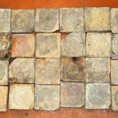 Antigüedades: IMPORTANTE PANEL CON 32 AZULEJOS-BALDOSAS GÓTICAS. Lote 41942013