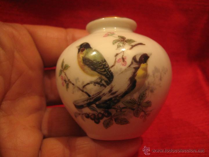 Antigüedades: PEQUEÑO JARRÓN DE PORCELANA JAPONÉS - Foto 3 - 41976145