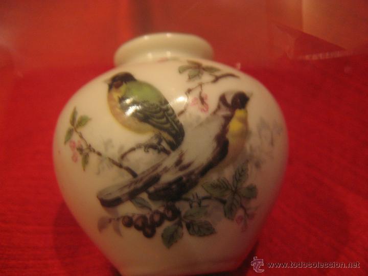Antigüedades: PEQUEÑO JARRÓN DE PORCELANA JAPONÉS - Foto 4 - 41976145
