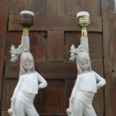 Antigüedades: 2 LLADRO TANG LAMPARA ANTIGUA AÑOS 60 PORCELANA ORIGINAL NIÑA CON PELUCHE ORIGINAL. Lote 42010744