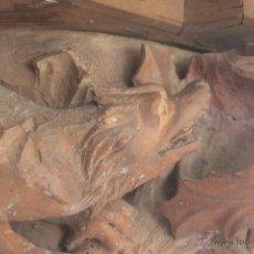 Antigüedades: MÉNSULA CON LEÓN RAMPANTE MODELADO EN TERRACOTA. S. XIX. Lote 42069453