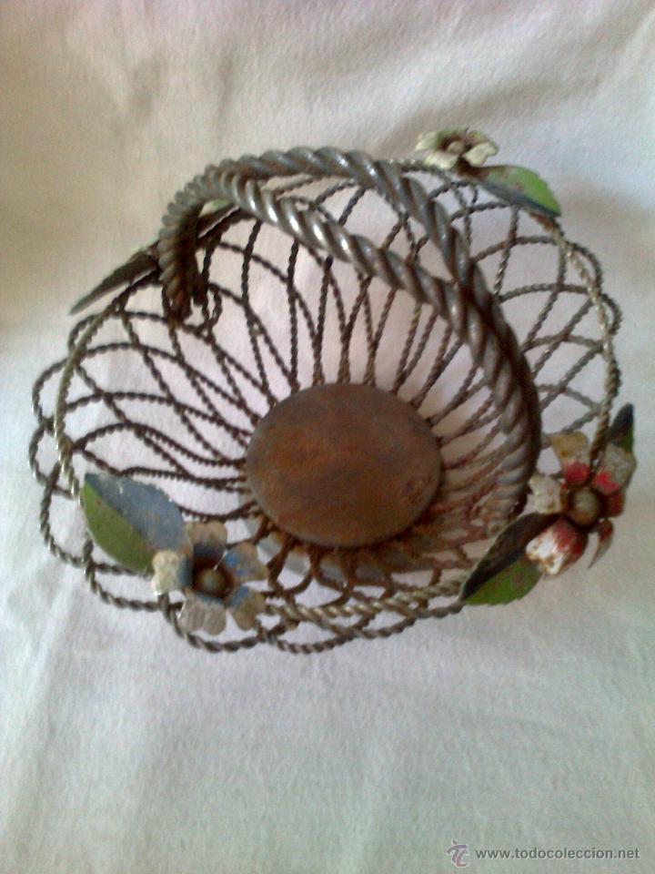 Antigüedades: cesta de hierro años 50 - Foto 2 - 42109634