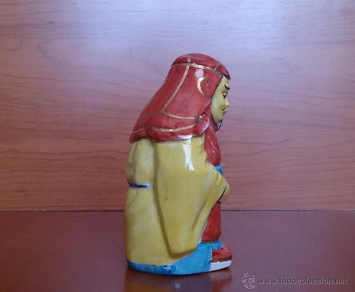 Antigüedades: Antigua figura de guerrero Japonés en porcelana, policromada a mano . - Foto 10 - 42166630