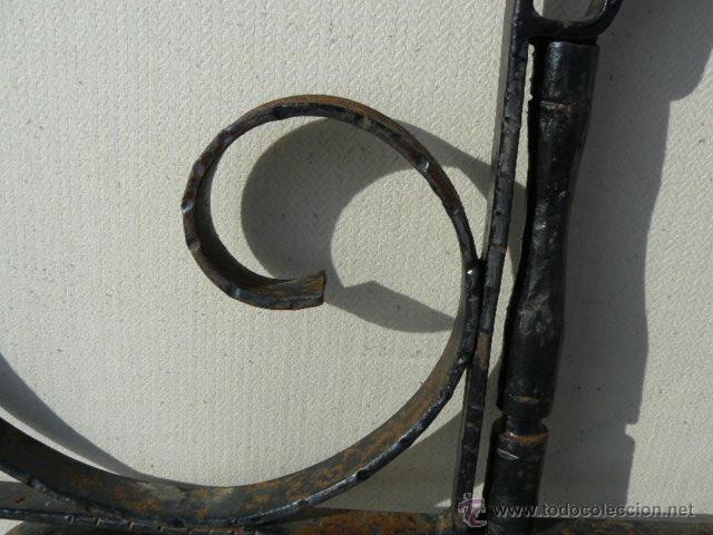 Antigüedades: CABEZAL DE CAMA DE HIERRO FORJADO - Foto 4 - 141451464