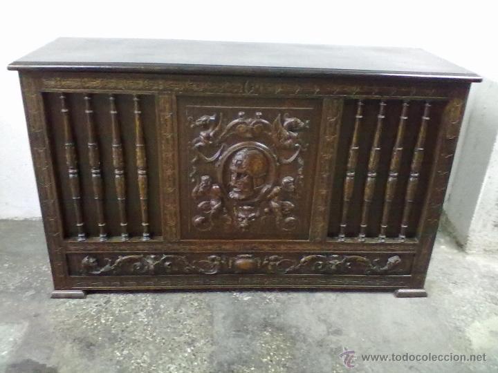 ARCA ARCON ROBLE TALLADO FFSS XIX PPSS. XX (Antigüedades - Muebles Antiguos - Baúles Antiguos)