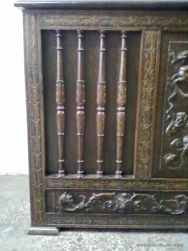 Antigüedades: ARCA ARCON ROBLE TALLADO FFSS XIX PPSS. XX - Foto 2 - 42218890