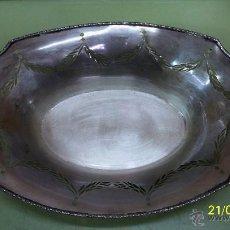 Antigüedades: BANDEJA EN PLATA DE LEY. Lote 42227552