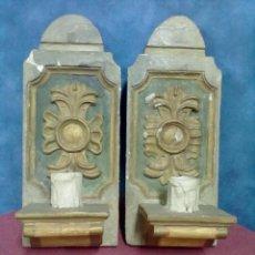 Antigüedades: PAREJA DE APLIQUES MADERA POLICROMADA. Lote 42290327