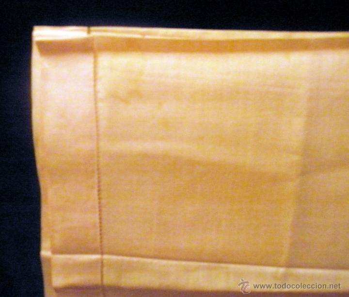 Antigüedades: Pañuelo de seda color albaricoque.. 45 cm de lado. Sin uso - Foto 2 - 42290848