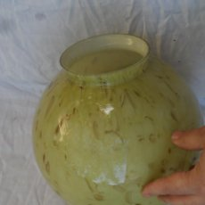 Antigüedades: LAMPARA ART DECO GRAN GLOBO BOLA TULIPA 25 CM APROX. BUEN ESTADO. Lote 194909927
