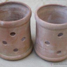 Antigüedades: LOTE DE DOS BOTES DE CERAMICA POPULAR, PARA VELAS.. Lote 161718589
