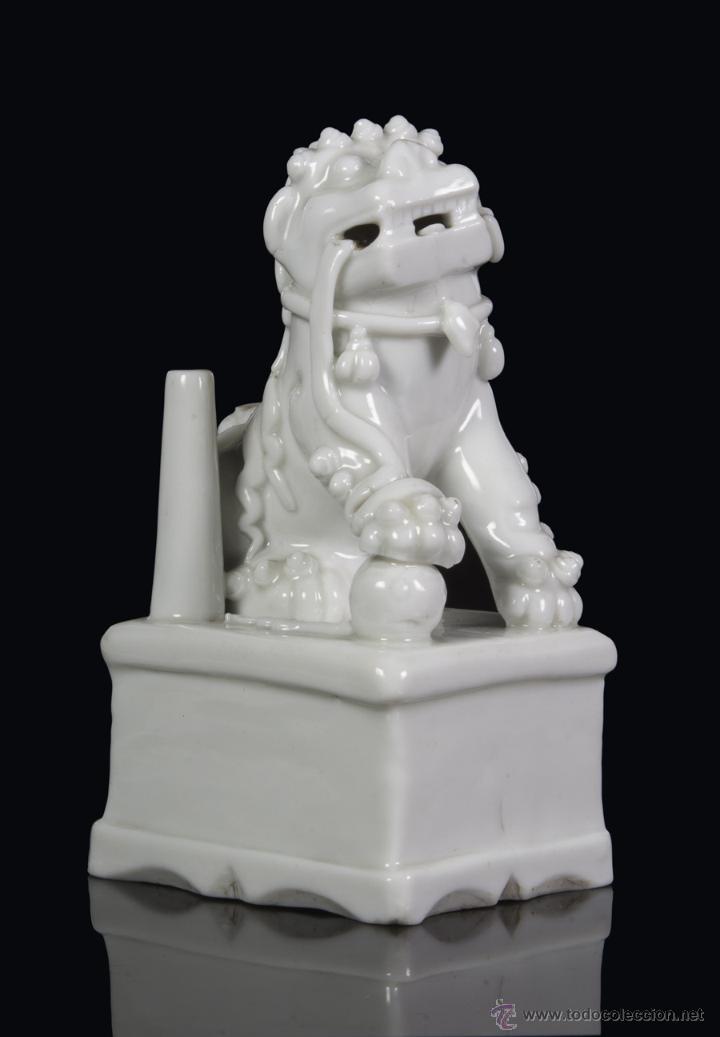 LEON DE FOO. CHINA BLANC DE CHINE. SIGLO XVII (Antigüedades - Porcelanas y Cerámicas - China)