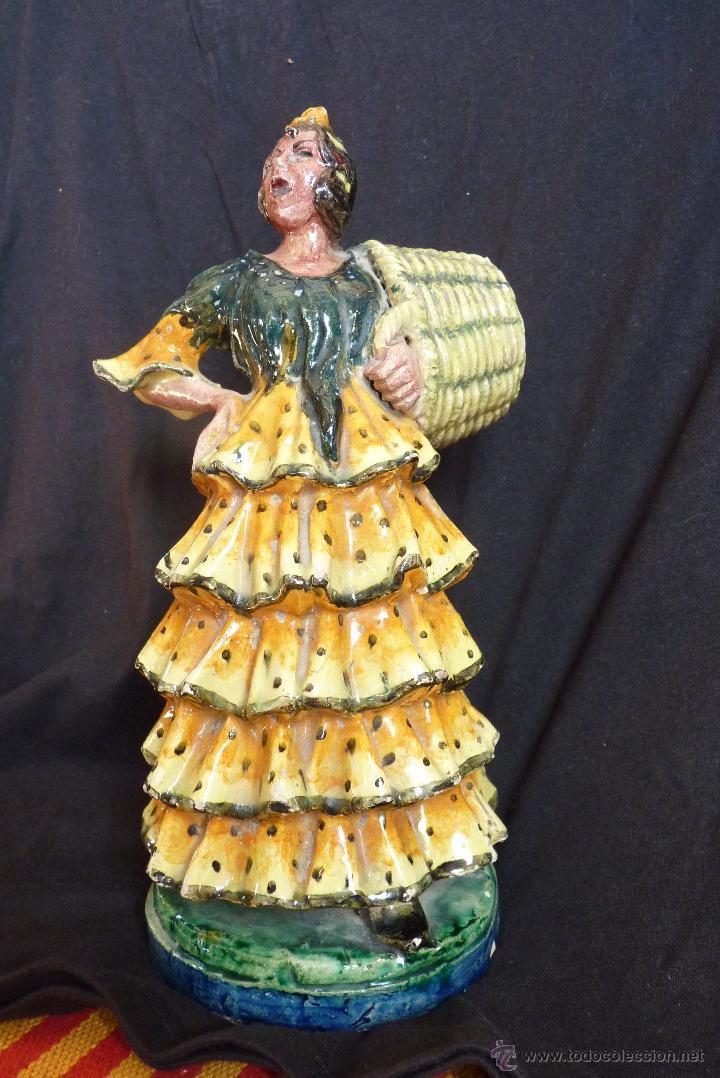 Antigüedades: MARAVILLOSA GITANILLA CANASTERA CERÁMICA DE TRIANA, SEVILLA - Foto 13 - 42327332