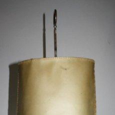 Antigüedades: LÁMPARA DE SOBREMESA DE DOS LUCES EN METAL PLATEADO - TIPO VALENTÍ - MEDIANOS DEL S.XX. Lote 42348802