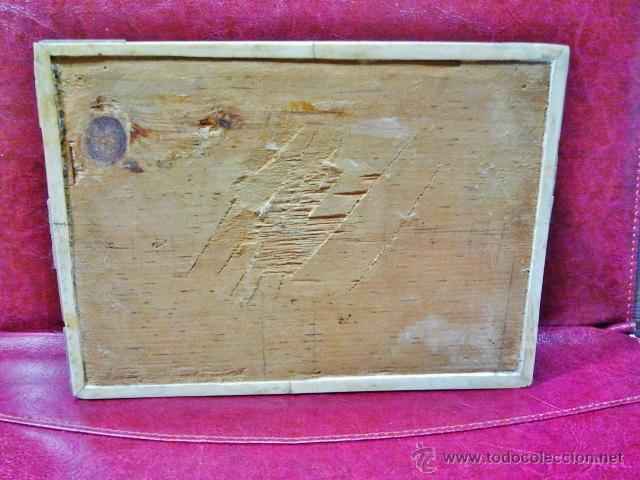 Antigüedades: Bonita caja recubierta de chapas de madreperla recortadas con cerradura. Interior en raso rosa. - Foto 3 - 42359143